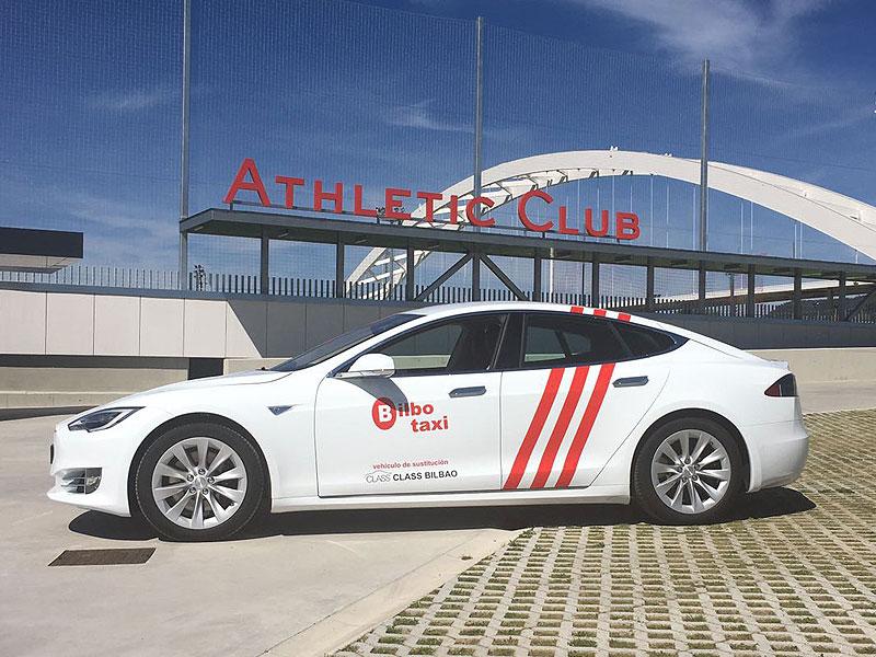 Presentación de Nuevo Tesla S 75 D, en las Instalaciones del Athletic Club