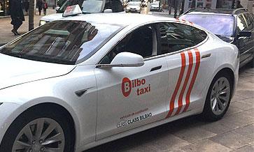 Tesla S 75 D, 100% eléctrico de Class Taxi Bilbao