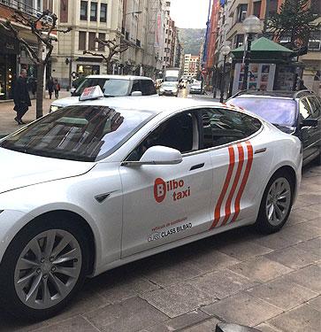 Nuevo vehículo de Class Taxi Mercedes Bilbao, Tesla S 75 D, 100% eléctrico